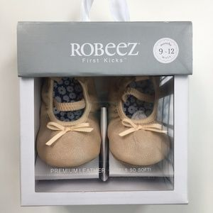 Robeez First Kicks Baby Shoes (9-12 Months)
